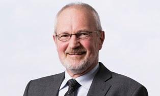 Porträtfoto von Professor Ullrich Hesse