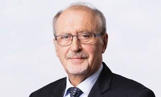Porträtfoto von Professor Werner Hufenbach