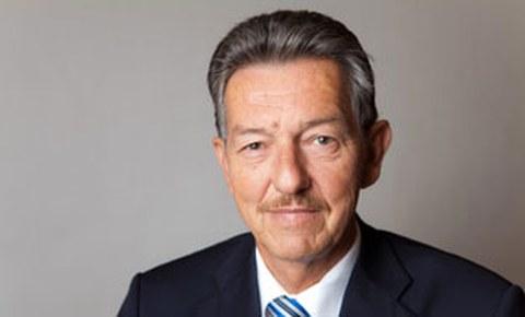 Porträtfoto von Professor Bernd Kieback