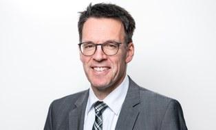 Porträtfoto von Professor Thorsten Schmidt