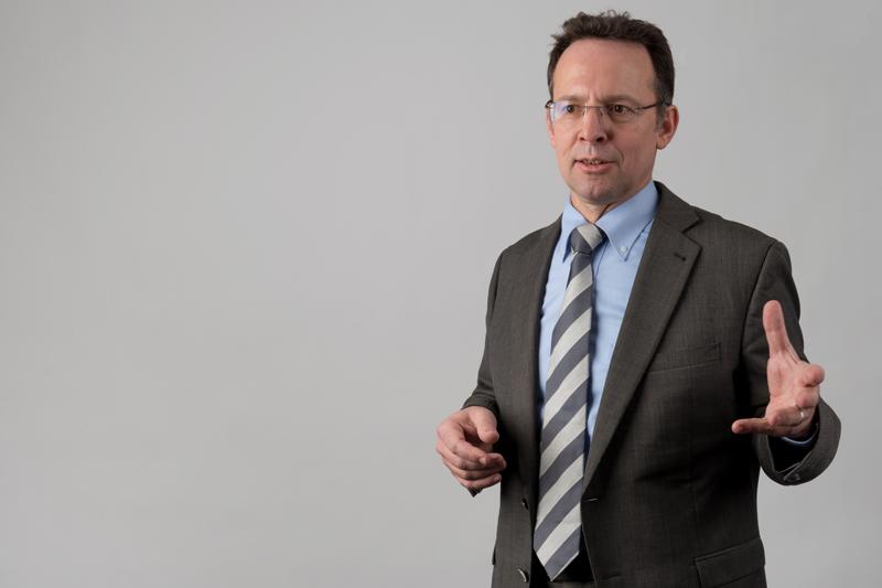 Prof. Dr.-Ing. habil. Leon Urbas