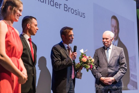 Das Foto wurde zum Tag der Fakultät Maschinenwesen 2019, am 29. Juni im Boulevardtheater Dresden aufgenommen.