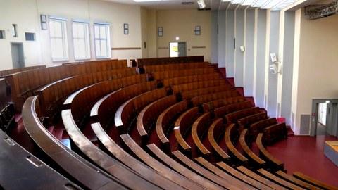 Foto: Blick in den Lichtenheldt-Hörsaal, den größten Hörsaal des Zeuner-Baus
