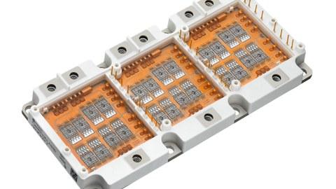 Auf der 3D-Abbildung sieht man ein geöffnetes Elektronikmodul von Infineon HybridPACK2.