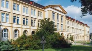 Das Institut für Klinische Pharmakologie mit Sitz im Dekanatsgebäude