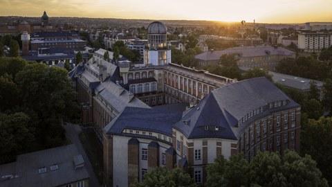 Beyer Gebäude TU Dresden
