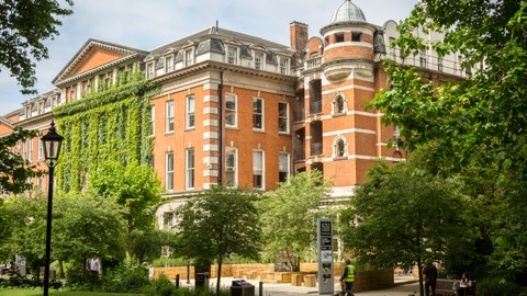 King`s College London