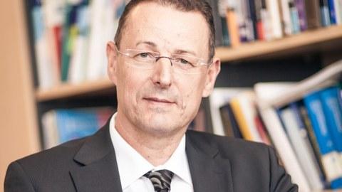 Prof. Dr. Dr. Michael Bauer