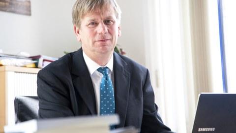 Professor Andreas Seidler