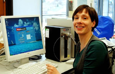 Award of the 2009 Chromosome Research Scholarly Manuscript Prize goes to Beatrice Weber