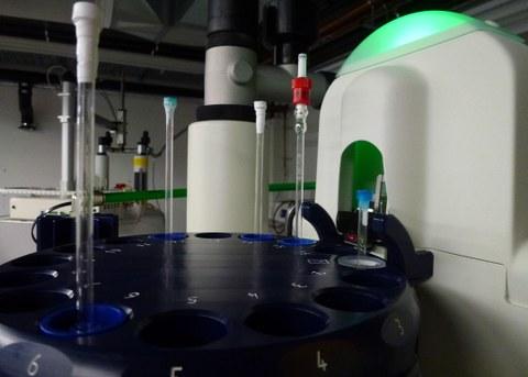 NMR_Equipment