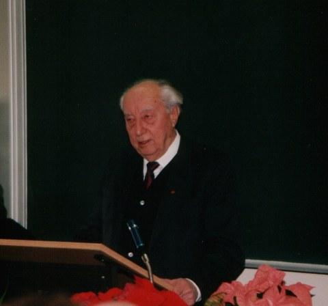 Portrait Prof. P. Heinz Müller