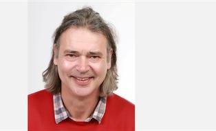 Ein Passfoto von Professor Dietmar Ferger