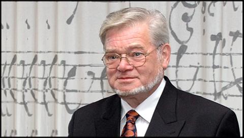 A photo of Prof. Volker Nollau