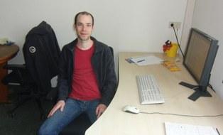Florian Stenger am Arbeitsplatz