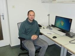 Mario Varga am Arbeitsplatz