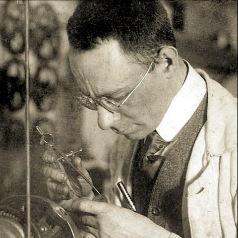 Emanuel Goldberg im Labor (um 1920)