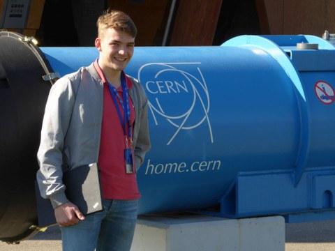 Tim Hebenstreit am CERN