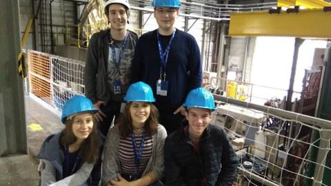 Gruppenfoto Jugendliche am CERN