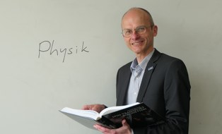 Prof. Dr. Carsten Timm