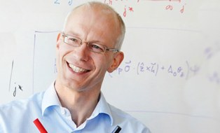 Prof. Matthias Vojta