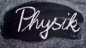"""Tafel mit Schriftzug """"Physik"""""""