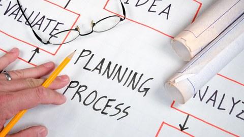 symbolisch Darstellung von Planungsunterlagen für ein Projekt