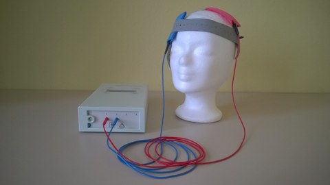 Components of the transcrenial direct current stimulation: electrodes and stimulator