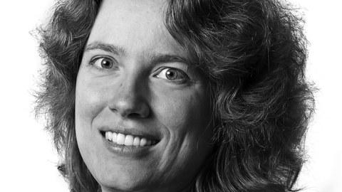 Schwarz-weiß Porträt einer Frau