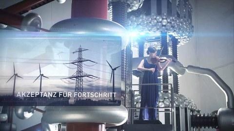 """Das Bild zeigt zwei Fotos. Auf dem Hintergrundfoto steht eine Violine spielende Person in einem technisch wirkenden Umfeld. Das kleinere vordergründige Foto zeigt einen Strommast und drei Windkraftanlagen, sowie den Schriftzug """"Akzeptanz für Forschung"""""""