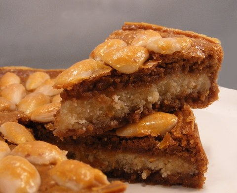 Gevulde Speculaas / Dutch spiced biscuit cake with marzipan filling