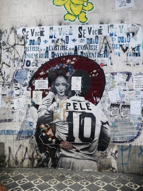 Geisha und Pele Graffiti in Liberdade, Sao Paulo