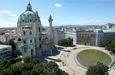 Wien: Karlskirche und TU