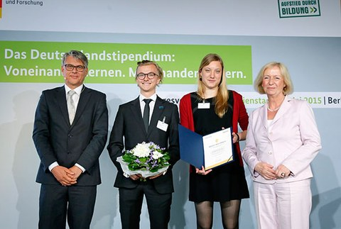Gruppenbild der Gewinner AG Asyl
