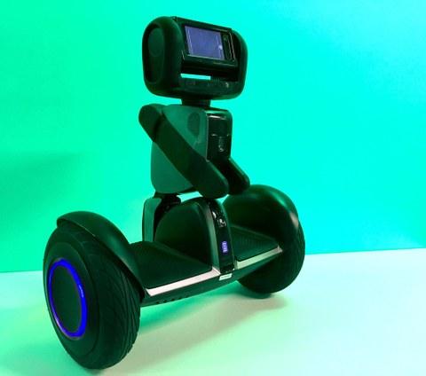 Das Foto zeigte inen kleinen Roboter auf Rädern.