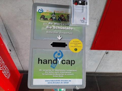 Handysammelsäule zum Sammeln von gebrauchten Handys und Smartphones