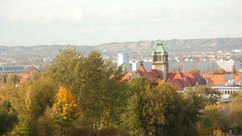 View from high fields to the TU Dresden campus