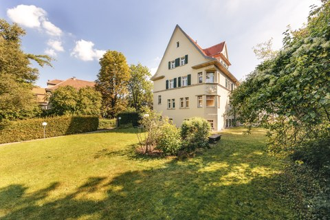 Foto: Außenaufnahme des Gästehaus Einsteinstrasse