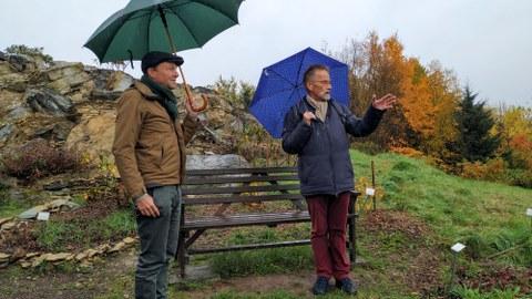 Forstbotanischer Garten_Prof. Andreas Roloff mit Staatsminister Wolfram Günther