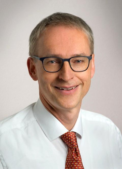 Prof. Karl Leo