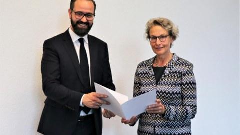 Wissenschaftsminister Sebastian Gemkow bestellt Frau Prof. Ursula M. Staudinger zur neuen Rektorin der TU Dresden