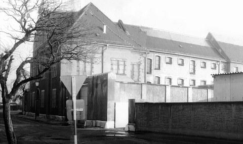 "Gebäude des ""Geschlossenen Jugendwerkhofs Torgau"" um 1978."