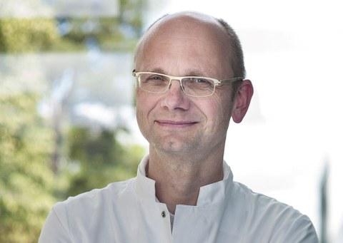 Porträtfoto Prof. Hampe