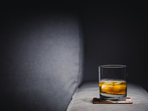 Gefülltes Whiskyglas