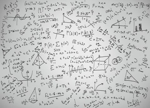Verschiedene Formeln, per Hand in Schwarz auf eine weiße Tafel geschrieben.