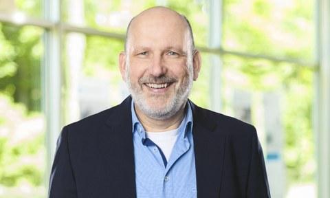 Prof. Ralph Claessen