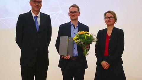 Prof. Karl Leo, Dr. Bernhard Siegmund und Zweite Bürgermeisterin Annekatrin Klepsch