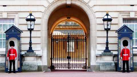 Wachen vor dem Buckingham Palace