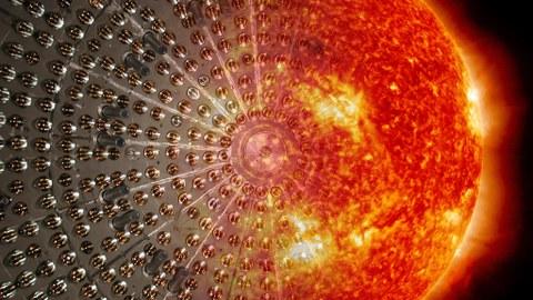 Darstellung einer glühenden Sonne vor dunklem Hintergrund, links im Bild lösen sich die Konturen auf.