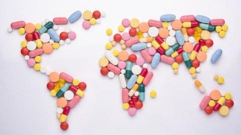Pillen in Form einer Weltkarte